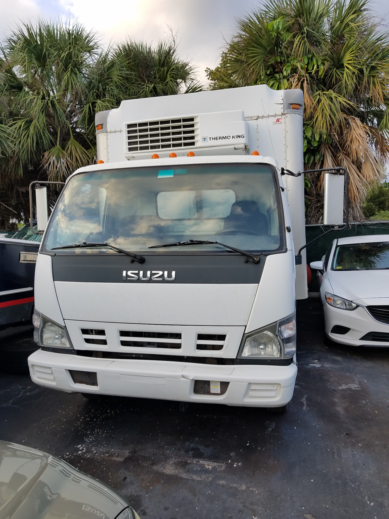 2006 Isuzu Refer Box Truck STK #6680