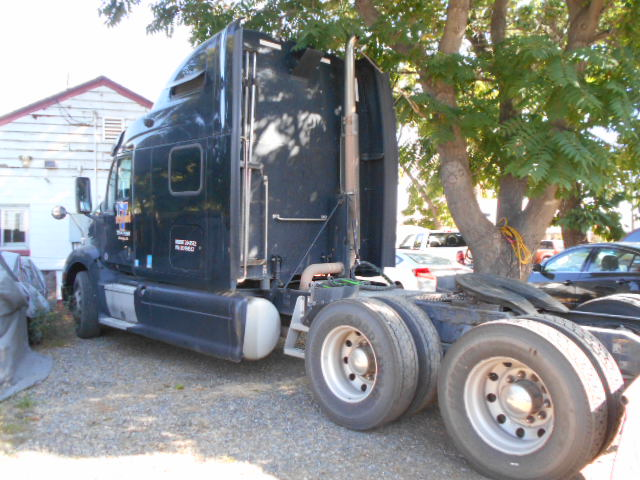 2013 Peterbilt 587 Sleeper Tractor STK #6975
